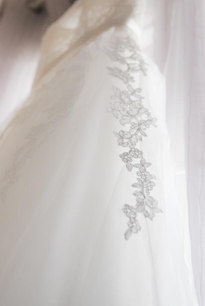 robe mariée détail dentelle Céline Gres photographe contact